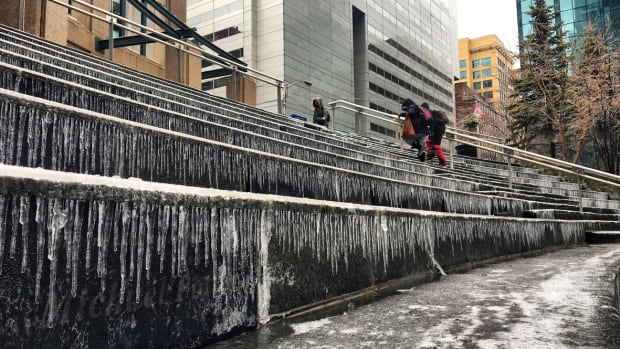 Freezing rain could arrive in Ottawa this weekend