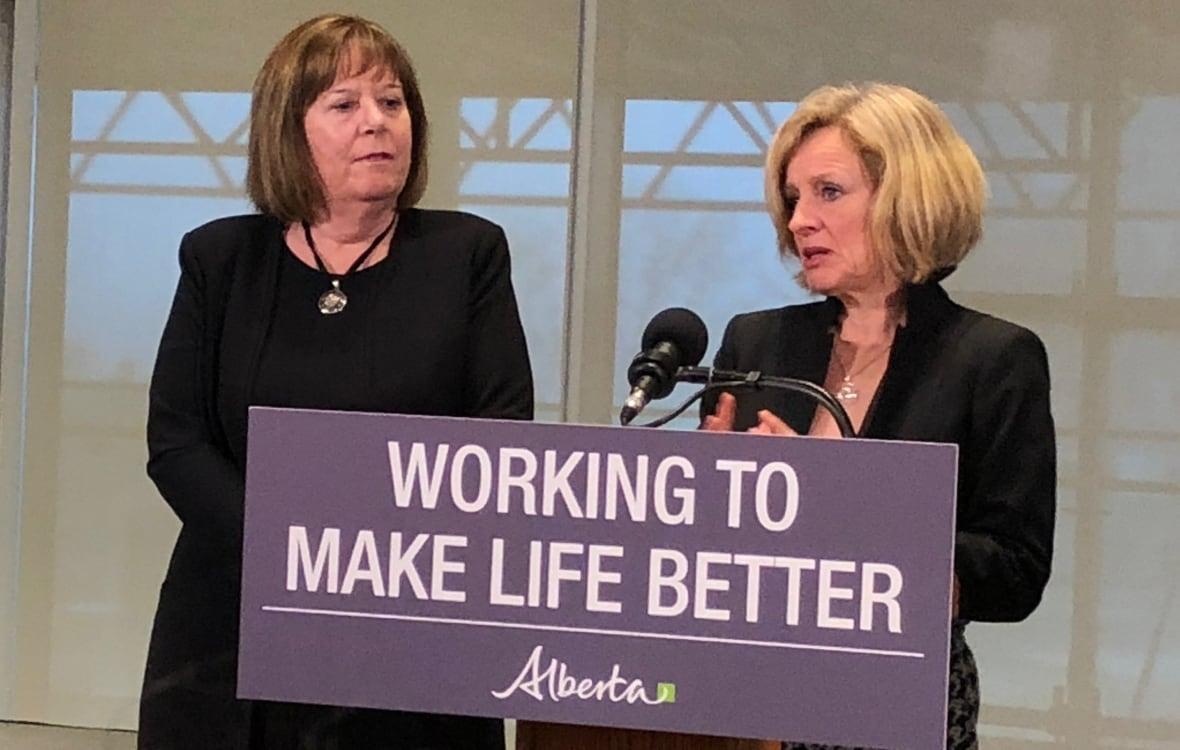 Newfoundland and Labrador premier supports Kinder Morgan pipeline