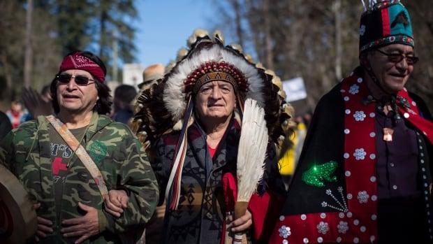 Canada's largest aboriginal festival celebrates pride ...  |People Canada First Nation Manitoba Ahbee