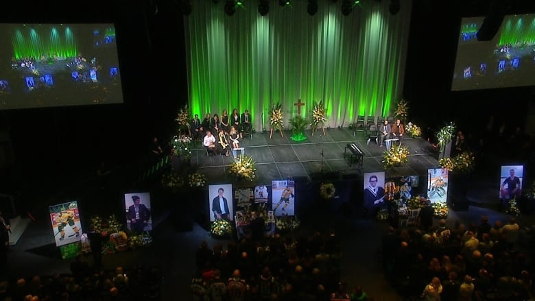 Edmonton Memorial Honours 4 Fallen Humboldt Broncos
