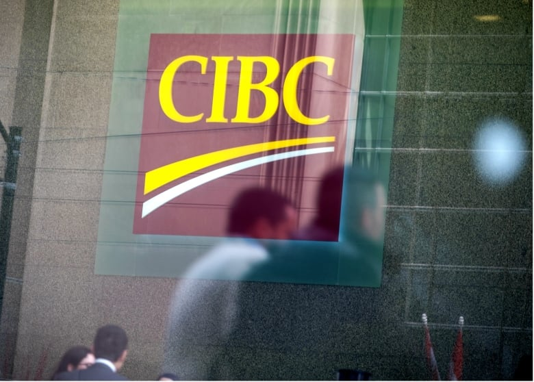 Bank employees angry regulator's report on sales tactics weakened after banks and government review drafts