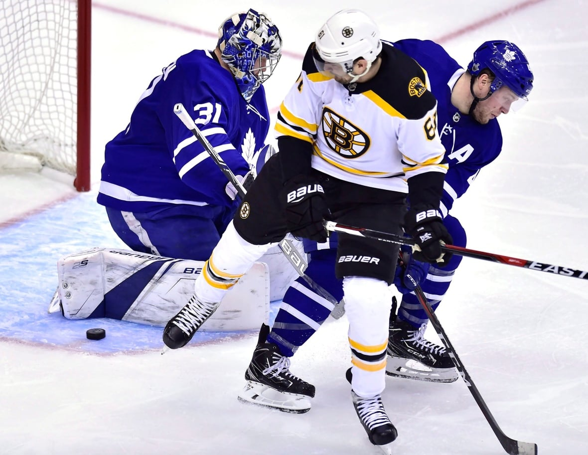 Maple Leafs vs. Bruins in Game 4