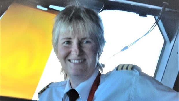 Former pilot asks to be reinstated after quitting over alleged gender dispute