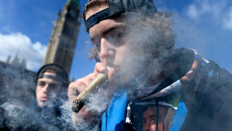 Parliament Hill taken over by 420 protest | CBC News