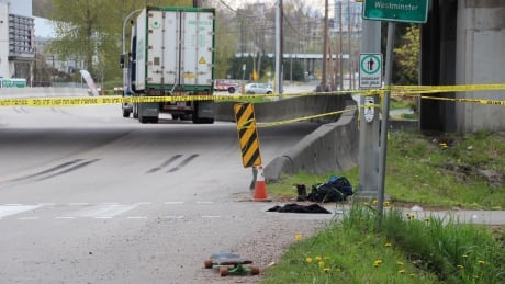 Skateboarder dies after collision with semi-truck in New Westminster, B.C.