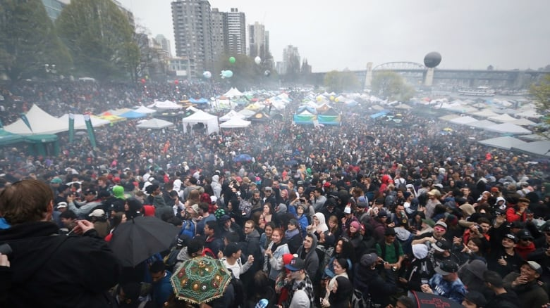 Vancouver 4/20 event sends massive clouds of smoke into