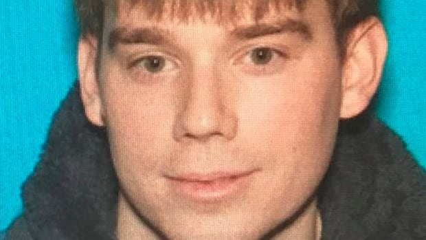 Police search for Waffle House shooting suspect after 4 killed, 3 injured | CBC News