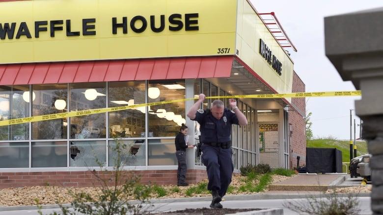 Naked man kills 4 before customer grabs gun at Nashville Waffle House