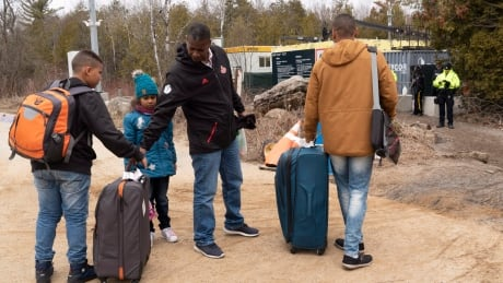 Que Asylum Seekers 20180418