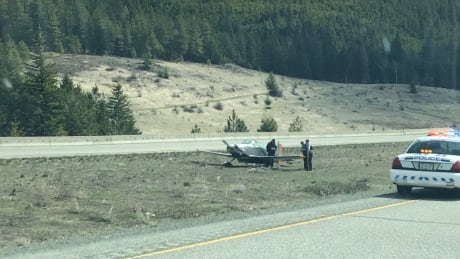 Small aircraft makes emergency landing on Coquihalla Highway near Merritt