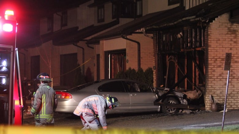 Man and woman dead following Mississauga townhouse fire