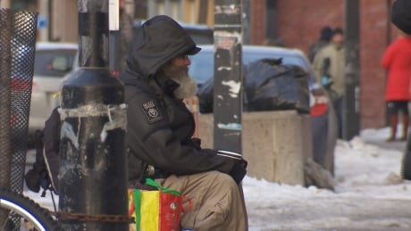 Montreal's homeless count aims to paint picture of life on the street | CBC