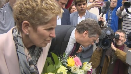 Toronto mayor, Ontario premier pay tribute to victims of deadly van attack | CBC