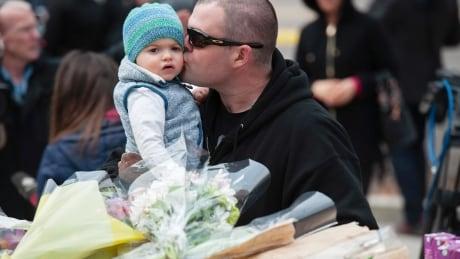 Memorial honours Toronto van attack victims | CBC