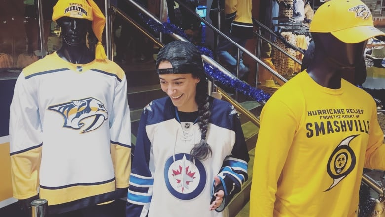 I M Surrounded Winnipeg Country Singer Jets Fan Stands Out In Nashville Cbc News