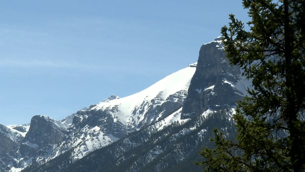 Special avalanche warning issued for widespread area of Alberta and B.C.