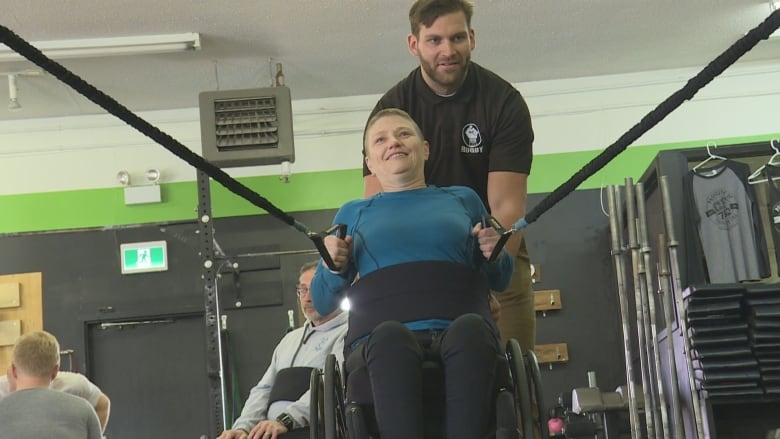 For People With Spinal Cord Injuries >> Crossfit Gym Offers Program For People With Spinal Cord Injuries