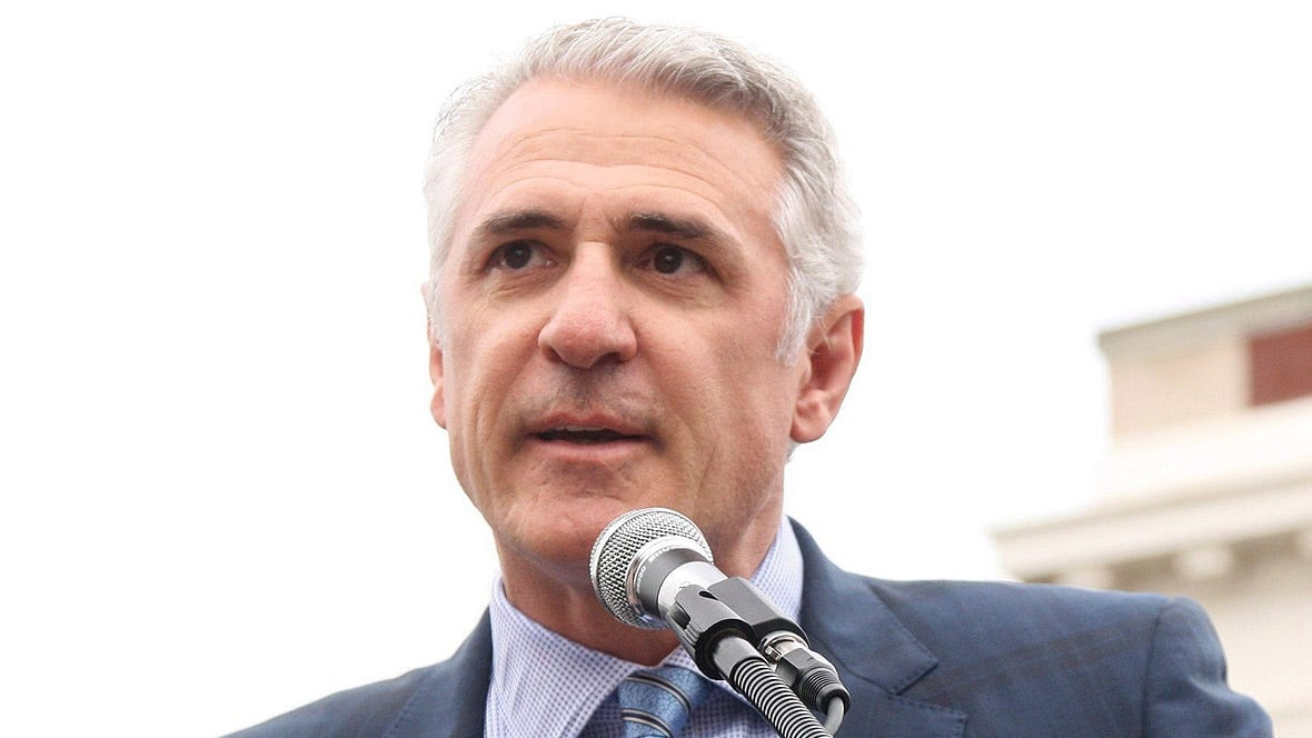 Hurricanes fire former GM Ron Francis