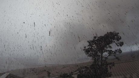 Volanic rain ash
