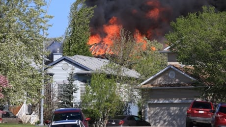 Calgary firefighters kept busy with 2, multi-home blazes