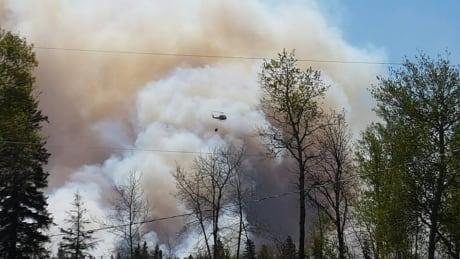 Evacuees shocked, devastated as forest fires burn near Sapotaweyak Cree Nation