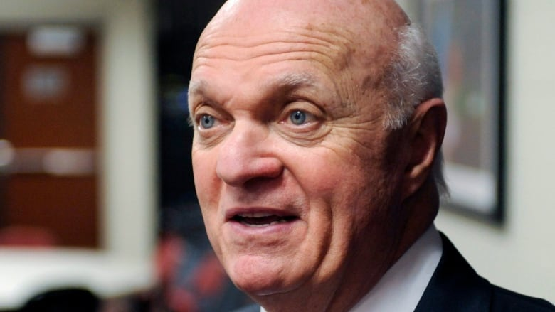 Lamoriello to oversee hockey operations for Islanders