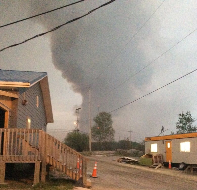 Eastern Manitoba First Nations evacuated as huge fire approaches