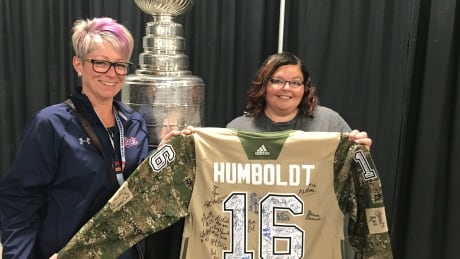 Signed 'Humboldt Jersey' makes stop in Regina for Memorial Cup