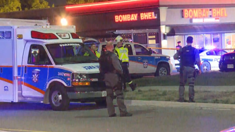 2 males wanted after improvised explosive device detonated at Mississauga restaurant injures 15