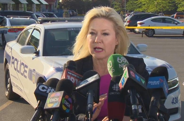 Police hunt for 2 men in Mississauga, Ont. restaurant blast, motive ...
