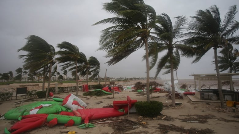 Oman prepares for the worst, as Cyclone Mekunu intensifies