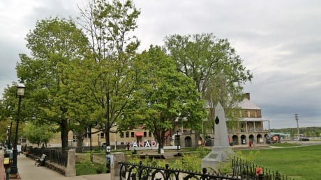 Conservation Council tells city to take walk in the park to get Officers' Square right