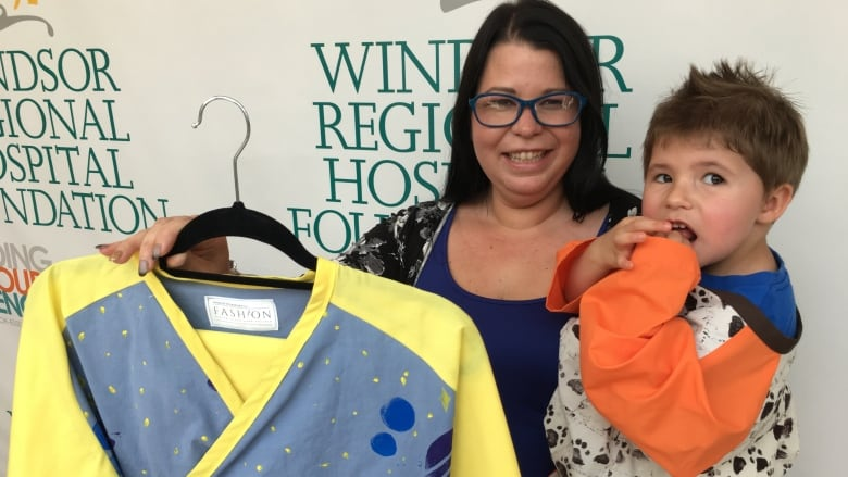 St Clair College Donates Mri Gowns For Kids Cbc News