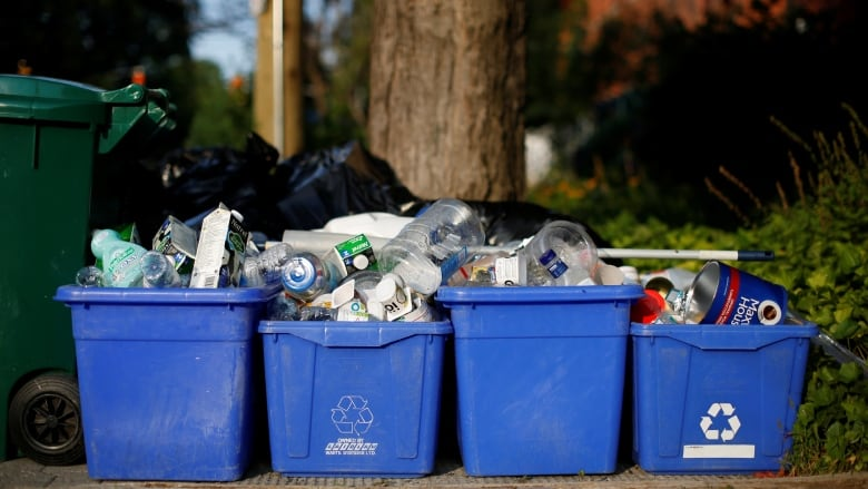 Why manufacturers might be better at recycling than Ontario municipalities