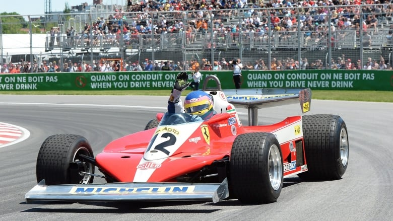 jacques villeneuve calls driving dad 39 s car in montreal parade lap 39 very special 39 cbc news. Black Bedroom Furniture Sets. Home Design Ideas