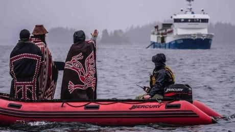B.C. fish farms to require First Nations approval by 2022: reports