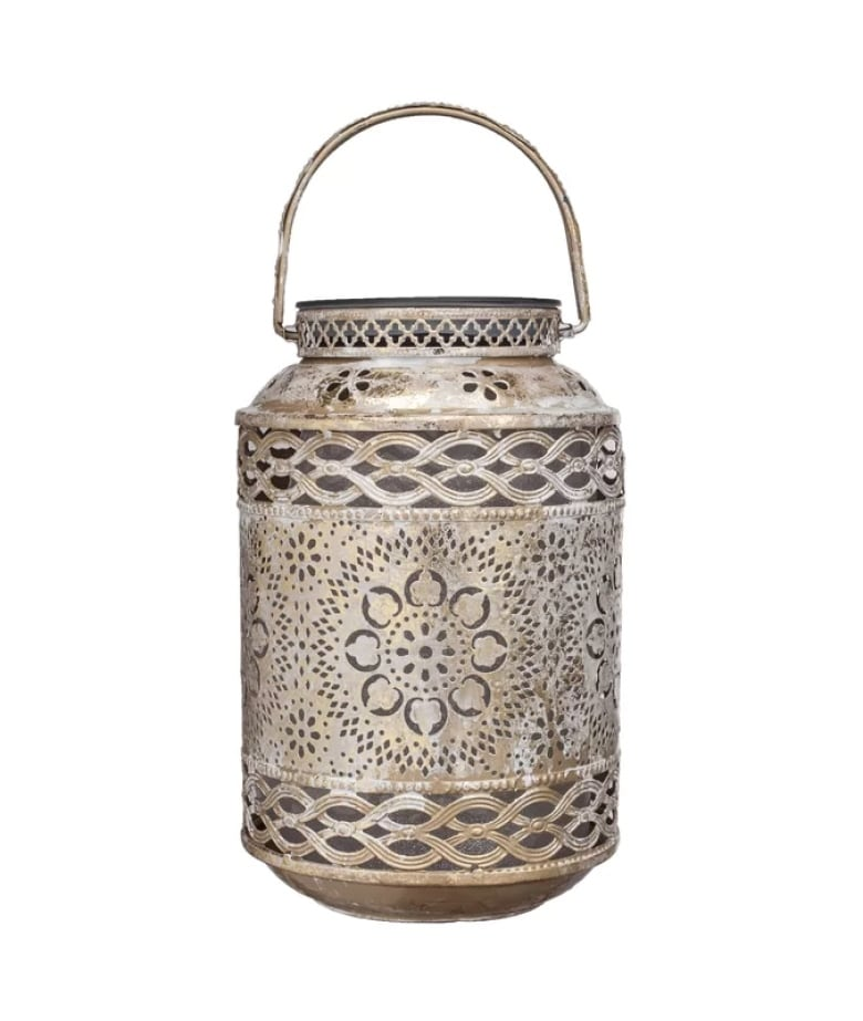 Dont Miss Gentle Beauty Of Lanterns For >> Solar Powered Summer Lighting Solutions To Keep Any Garden