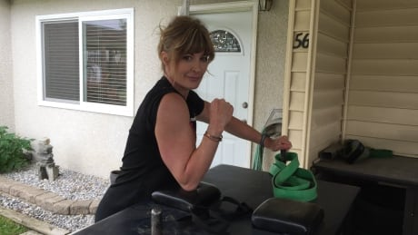Paid to arm wrestle: Kamloops woman turns pro for next 5 years
