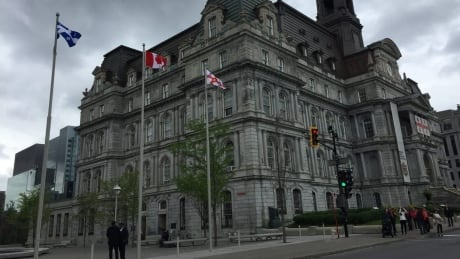 Private company hired to oversee renovations at Montreal City Hall | CBC
