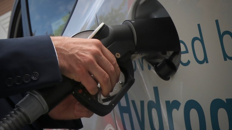 Canada's first retail hydrogen fuelling station opens in Vancouver