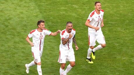 fifa-serbia-kolarov-061718-620