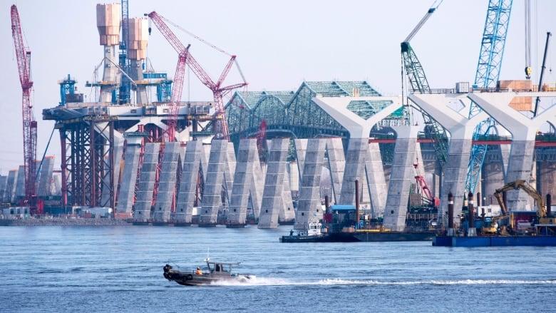 Wildcat strike by crane operators across Quebec illegal ...