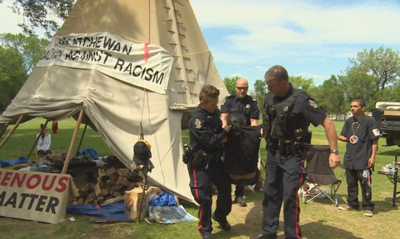 Teepee back up at Sask. Legislature 3 days after camp members arrested by police