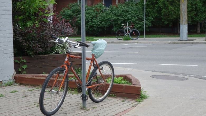 Cyclists steering own investigations into stolen bikes | CBC