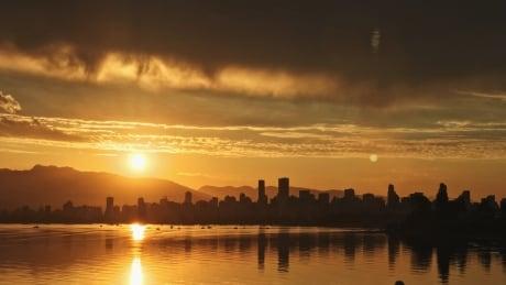 VANCOUVER SUNRISE CITYSCAPE SKYLINE 1