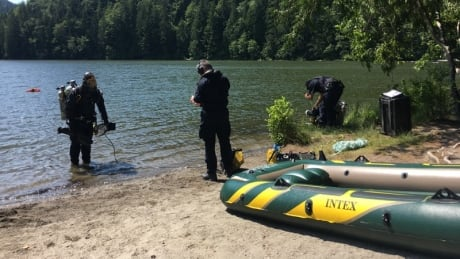 RCMP underwater recovery team at Alice Lake