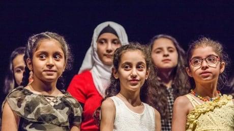 Syrian Choir Border 20180623