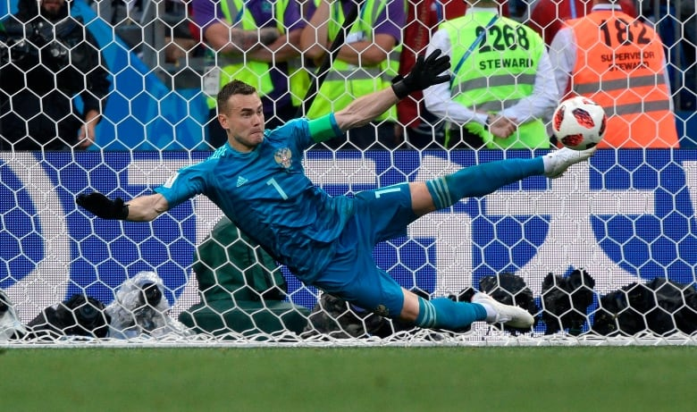 Russia shocks Spain in shootout, advances to World Cup quarter-finals