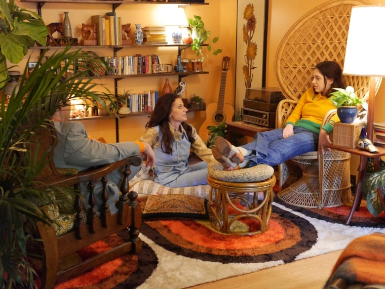 Watch A Modern Canadian Home Get A Cozy 70s Makeover Cbc Life