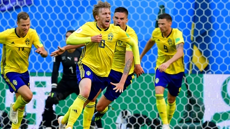521673df6 Sweden has earned a spot in the quarter-finals after an Emil Forsberg (10)  goal gave the team a 1-0 win over Switzerland at the World Cup on Tuesday.